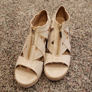 Nude/Gold Espadrille wedge